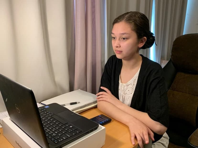 Youth members in Europe learn Filipino language basics